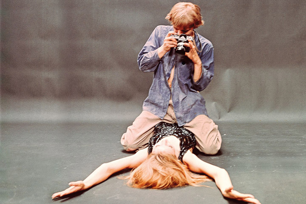 Tazio Secchiaroli - David Hemmings und Veruschka von Lehndorff in Blow-Up (Regie: Michelangelo Antonioni), 1966, BFI Stills © Neue Visionen Filmverleih GmbH/Turner Entertainment Co. - A Warner Bros Entertainment Company
