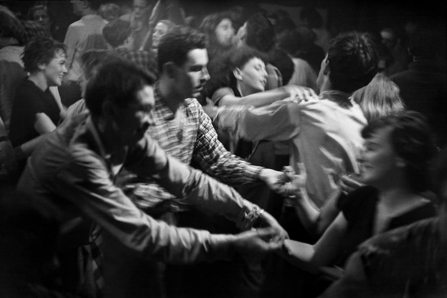 Dancers in the Zurich Tresterclub (1947), Courtesy of René Groebli