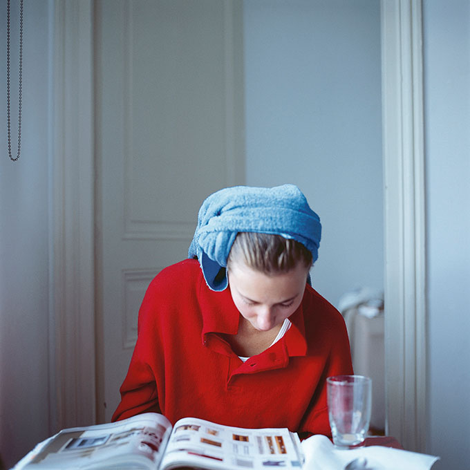 © Peter Puklus, Melinda After Hairwashing (down), 2005, Paris