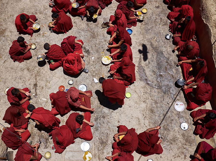 Monks During Lunch / Mönche Beim Mittag, 2015 © Ivo Berg