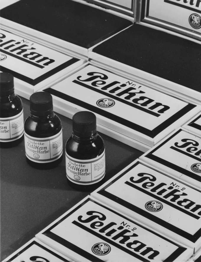 Untitled (Ink Pads And Ink), 1931 - 1938, Gelatin Silver Print (ca. 1938), 22,3 X 17,2 (23,9 X 18,1) © Hein Gorny / Collection Regard, Courtesy Of Pelikan GmbH, Hannover