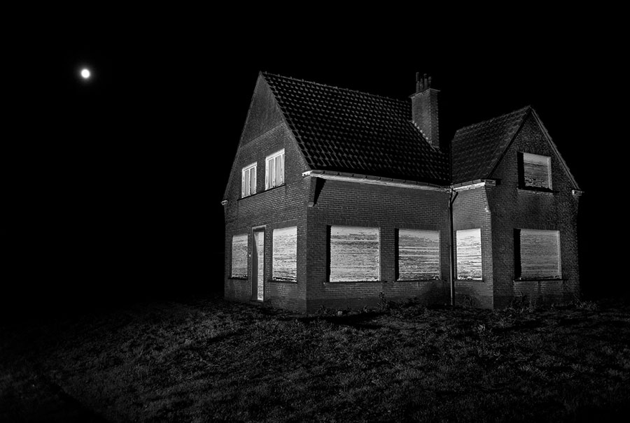 © Tom Callemin, House, 2010, Framed Inkjetprint On Photorag Paper, 66 X 100 Cm, Edition Of 5 + 2 AP, Courtesy KROMUS + ZINK, Berlin