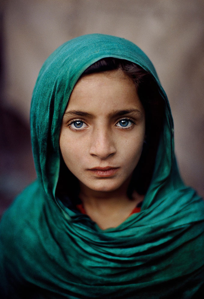 Girl With Green Shawl, Pakistan, 2002 © Steve McCurry