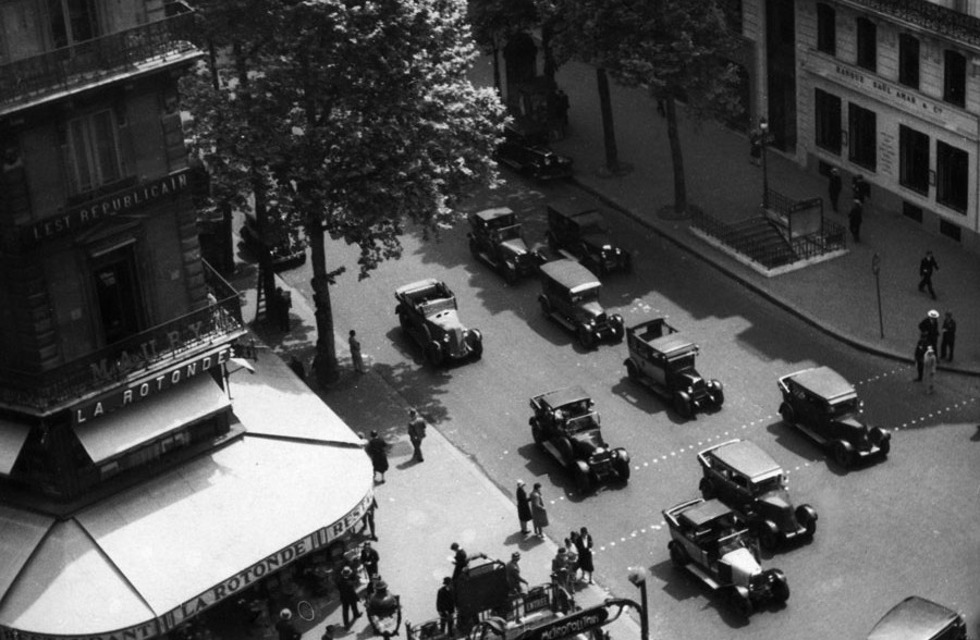 View From Galeries Lafayette Department Store Onto Boulevard Haussmann, Paris, 1930 © Fritz Block Estate Archive, Stockholm/Hamburg