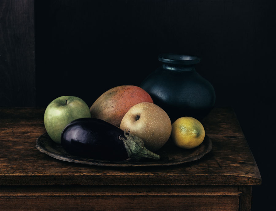 Oaxaca Jar With Aubergine (Still Life No. 2), New York, 1996, Dye Transfer, 40 X 52 Cm © Evelyn Hofer, Estate Evelyn Hofer