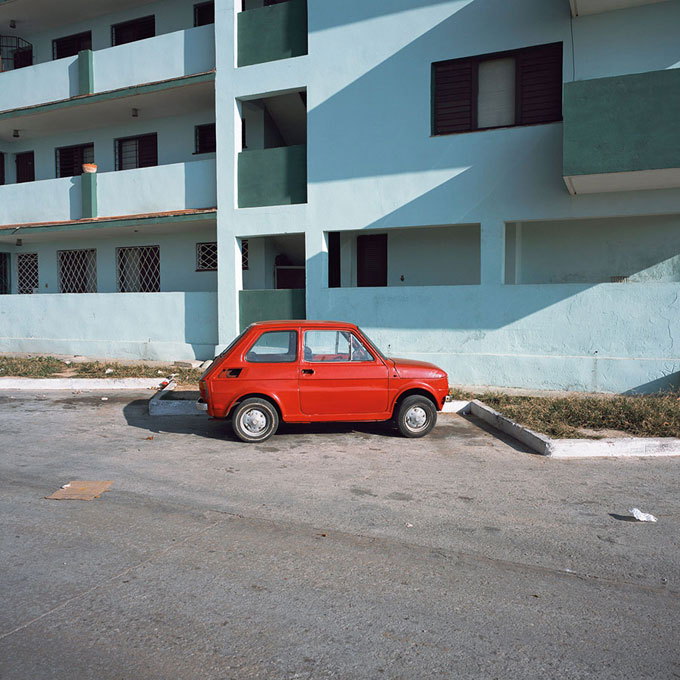 © Charles Johnstone, Little Red Car, Kuba, 2006