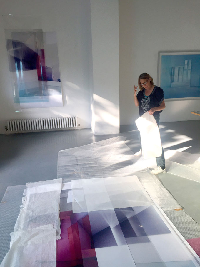 Susa Templin Installing Her Solo Show At Dorothée Nilsson Gallery Berlin, 2018
