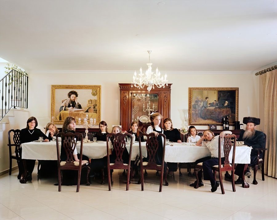 Frédéric Brenner, The Weinfeld Family, 2009 © Frédéric Brenner, Courtesy Howard Greenberg Gallery