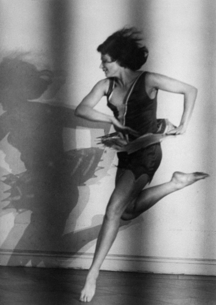 """Lotte Jacobi, Claire Bauroff, """"Swing"""", Berlin, 1928 © The University Of New Hampshire, 2019"""